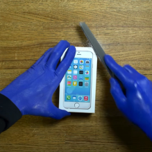 blue-man-group-unboxing-iphone6