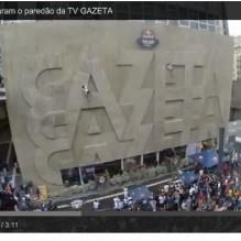 edificio-gazeta-desafia-escaladores-evento-red-bull-bluebus