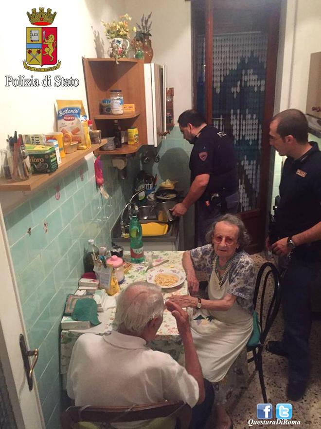 idosos-roma-policia-italiana-solidariedade