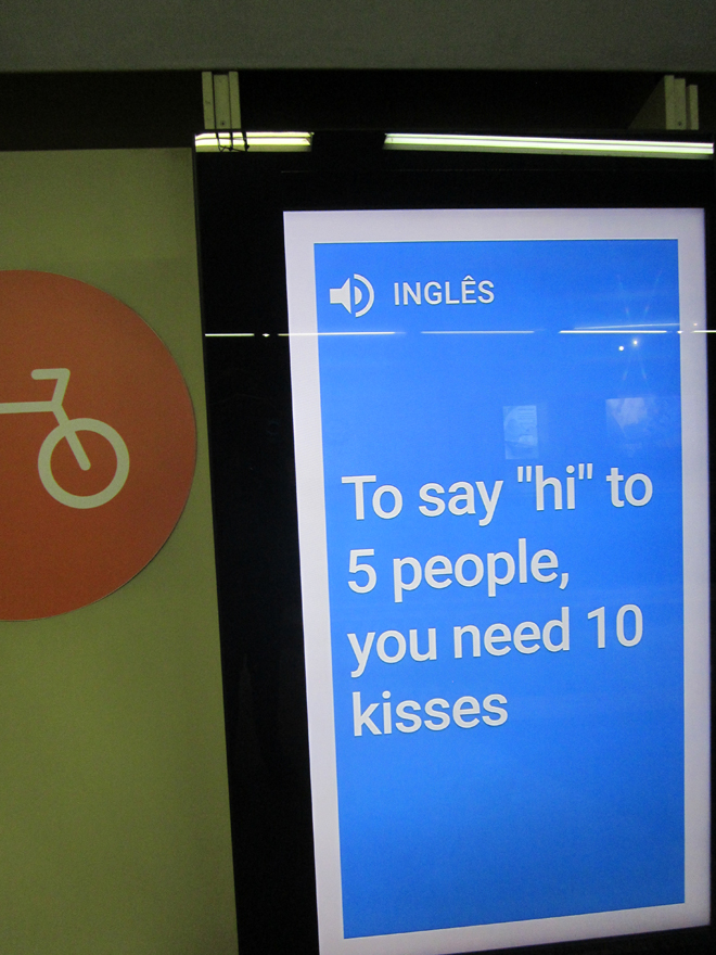 google-translate-rio-metro-kisses-ingles