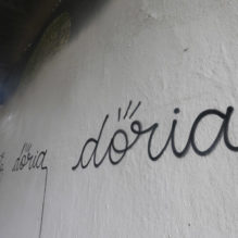 "S√O PAULO 24/01/2017 - CIDADE METR""POLE - PICHA«√O GRAFITE - Prefeito Jo""o Doria pinta parte de muros da Avenida 23 de Maio de Cinza onde havia grafites - Na foto muro sob o Viaduto ParaÌso que havia sido pintado de cinza parcialmente e foi alvo de pichaÁ""o  - Foto: NILTON FUKUDA/ESTAD√O"