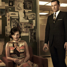 **** THIS IMAGE IS FOR TV WEEK MARCH 25 ** DO NOT USE BEFORE ** MUST SPEAK TO ELISHA ** FOR TV WEEK -- DO NOT PURGE --  Peggy Olson (Elisabeth Moss) and Don Draper (Jon Hamm) - Mad Men - Season 5 - Gallery - Photo Credit: Frank Ockenfels/AMC