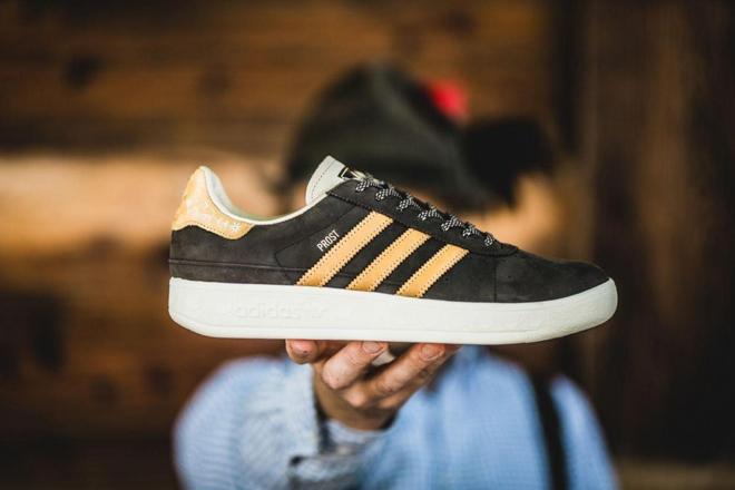 adidas-oktoberfest-trainer-close